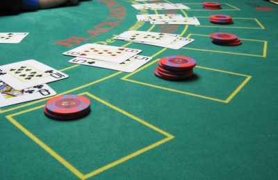 Blackjack Strategy – Instantly Dominate the Blackjack Tables