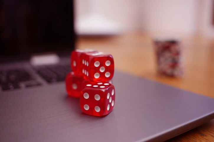 How To Play Online Poker Games? – Know Some Essentials